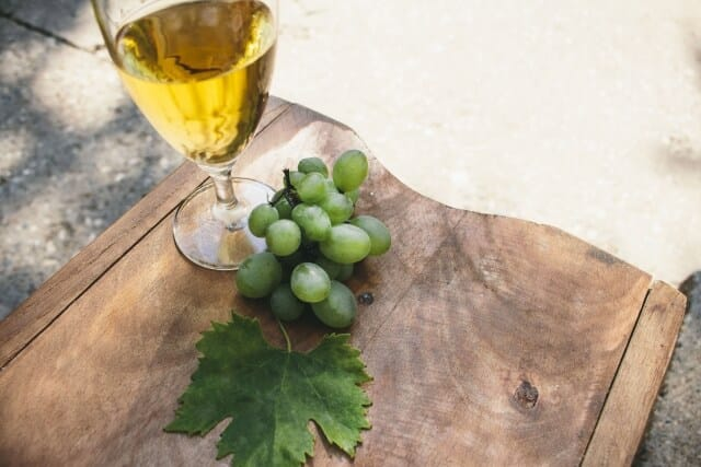 chablis made from chardonnay grapes