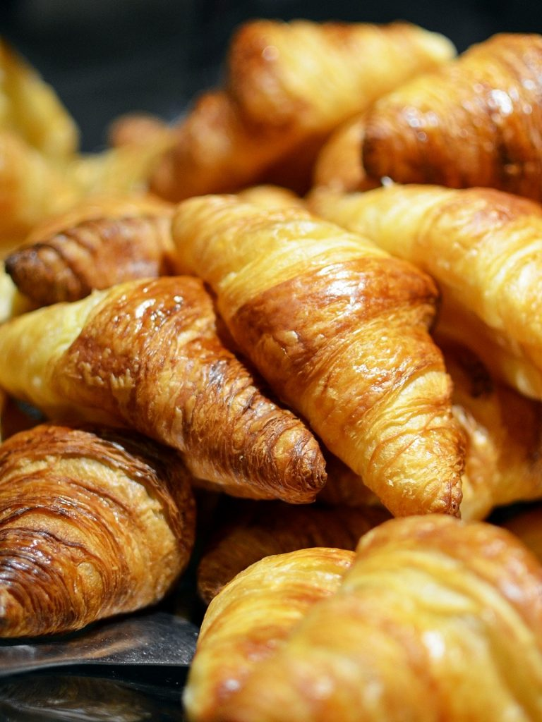 croissants most famous French bread